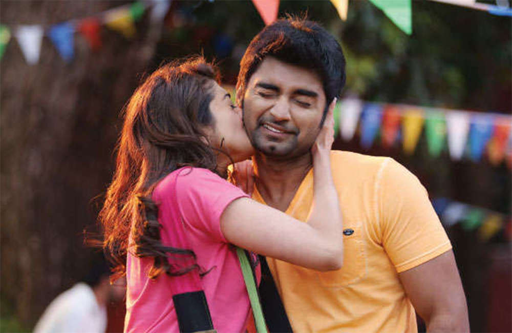 Gemini Ganeshanum Suruli Raajanum Movie Stills
