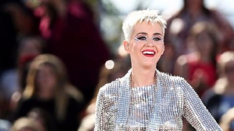 Katy Perry ,Katy Perry makes Twitter history with 100m followers