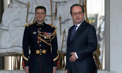 Bad hair days for François Hollande over €10,000 coiffeur bill