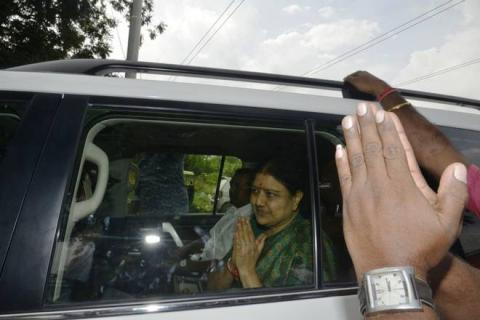 Sasikala to return to prison today as five-day parole concludes