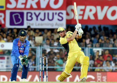 Australia beat India by 8 wickets to level series 1-1