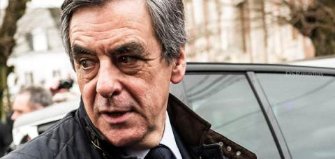 Calls grow for Fillon to stand down