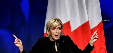 """Financial globalisation,Islamist globalisation,EU membership, Anti-migration, Anti-EU policy,Supporters chanting """"This is our country,Anti-immigration, Anti-EU National Front,Marine Le Pen, Far-right National Front party, French presidential election,European Union,,La mondialisation financière, la mondialisation islamiste, l'adhésion à l'UE, l'anti-migration, la politique anti-UE, les partisans chantant «C'est notre pays, anti-immigration, Front national anti-UE, Marine Le Pen, ,Union européenne,"""