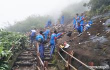 Armed forces assist clearing of garbage heap, Mahagiri damba landslides