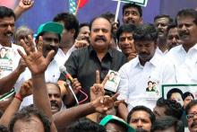 Karnataka state secretary of AIADMK (A) Pugazhendi at a protest held in support of TTV Dinakaran